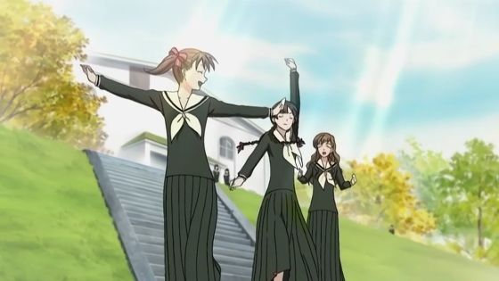 Yumi, Yoshino, and Shimako not walking slowly